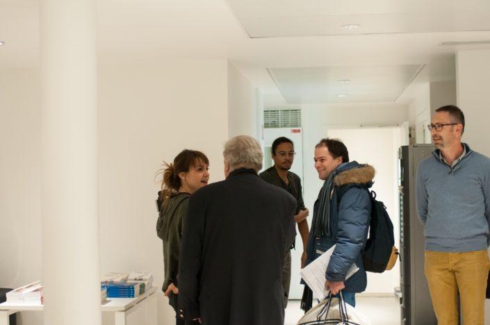 Julie Regard, journaliste reporter LCI et Matthias Vincenot, Directeur artistique face à Jean-Marc Muller