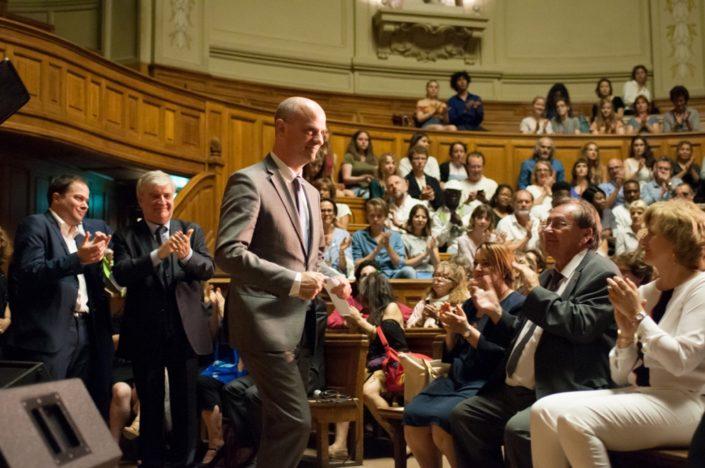 Le Ministre de l'éducation nationale, Jean-Michel Blanquer, ovationné par le public et les officiels.