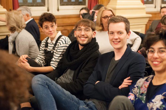 Sarah Baraka d'Université Lille 3 (à droite) et ses amis