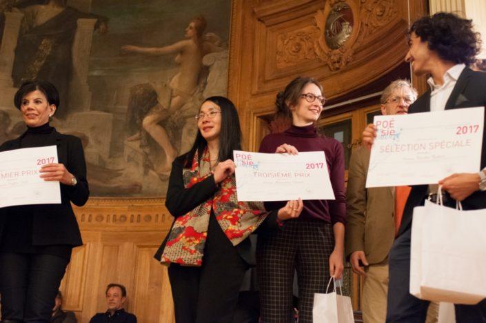 Eliane Kan, Directrice de TCA et Amandine Gérard 3ème prix, ENSAPLV Paris (75) et Nicolas Robert, Sélection spéciale, Université Paris-Sorbonne