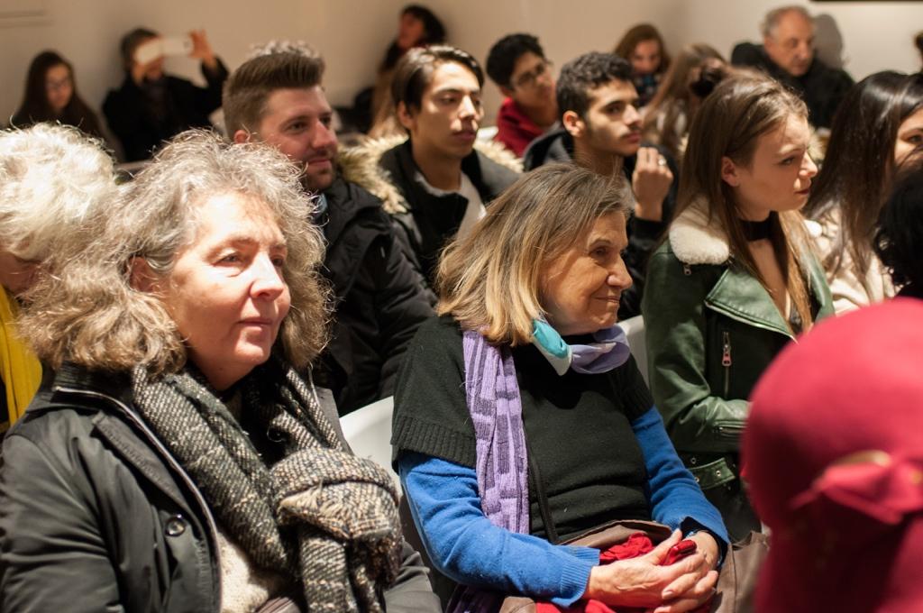 Au centre, Madame Marcelle Rosnay, du Club des Poètes à l'Espace Andrée Chedid