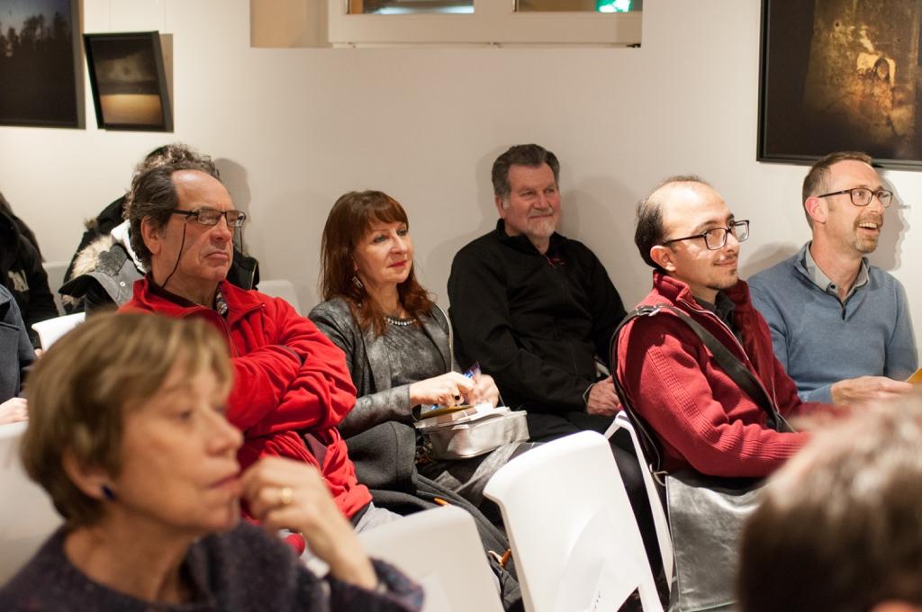 Elisabeth Jouhaud, chargée de mission et le quatuor du fond : nos amis Gen & Bob assis derrière Amin Kâmrân et Franck Merger intervenants de la soirée Poésie en Perse