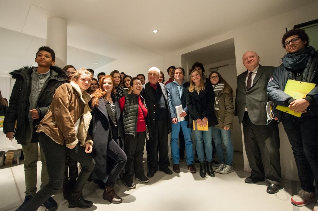 Monsieur le Maire, les Membres du Conseil Communal des Jeunes, Poésie en liberté à l'Espace Andrée Chedid pour le lancement 2017 du concours.