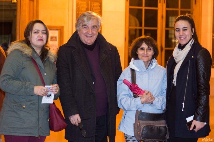 Jean-Marc Muller, Président de Poésie en liberté entouré de Lynda Aït Bachir, poète et correspondante, Rose Séguignes, Secrétaire générale et Mazhoura