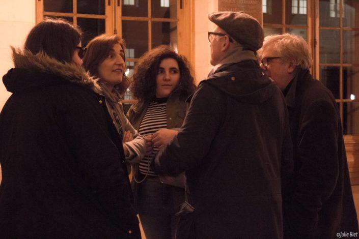 Dalila Kaabeche, Secrétaire générale adjointe entourée de ses filles, avec André Prodhomme (de dos) et Jean-Marc Muller