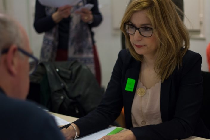 """Louisa Nadour, Poète et Journaliste, Quotidien panarabe international """"Al-Arabi Al-Jadied"""" basé à Londres"""