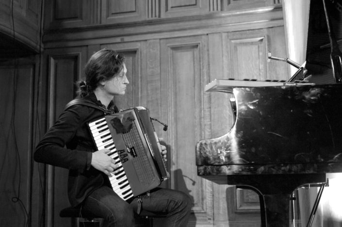 Etienne Champollion, compositeur, musicien multi-instrumentiste