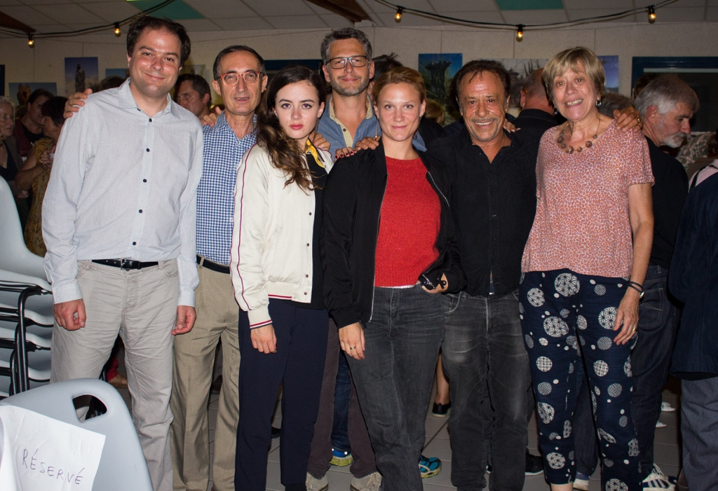 De gauche à droite, Matthias Vincenot, Gilles Tabard et Lou Gala, Frédéric Gorny, Yeelem Jappain, Antoine Coesens et Elisabeth Jouhaud-Tabard, Secrétaire générale adjointe