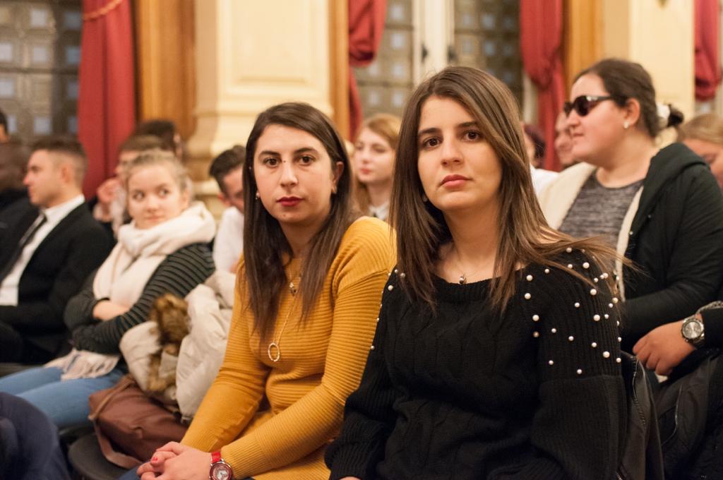 Kattia Galou et Hasna Redjal, de l'université Abderrahmane Mira de Béjaïa - Algérie