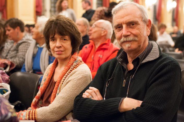 Pierre Kobel, auteur, représente les Editions Bruno Doucey