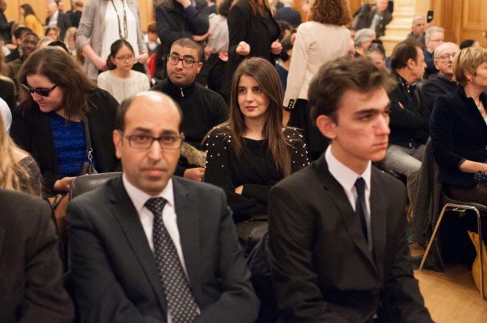 Au centre, Hasna Redjal d'Algérie, devant, Tarik Ramdani, Attaché culturel de l'Ambassade du Royaume du Maroc en France et Umut Mert Karacaoğlu de Turquie