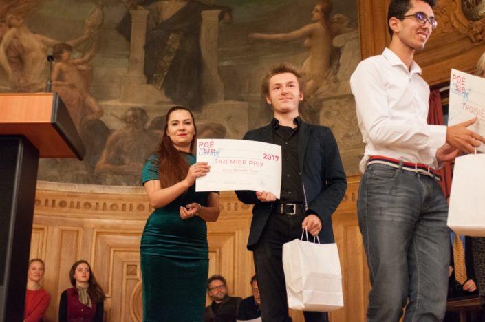 Elizaveta Titkova, Attachée culturelle de l'Ambassade de Russie en France et Alexandre Coste, 1er prix, du Lycée Français Alexandre Dumas de Moscou (Russie)
