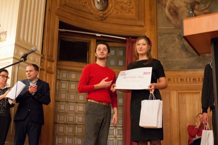 Louis Romao, auteur-compositeur-interprète, ancien lauréat et juré, et Aglaée Collin, 2ème prix, Lycée Jean-Henri Lambert à Mulhouse (68)