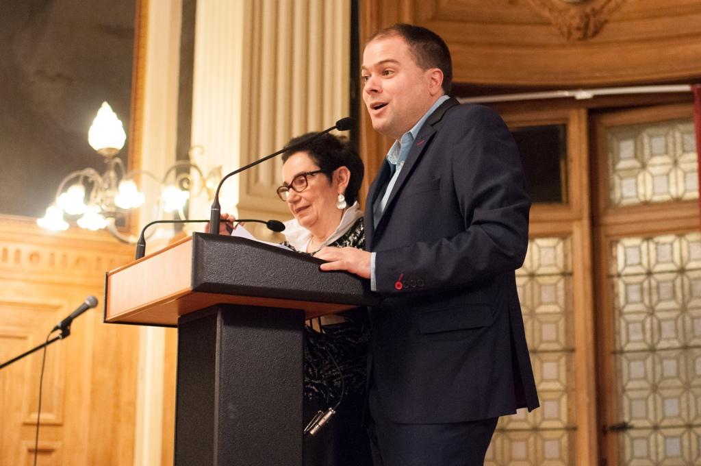 les Maitres de cérémonie Nicole Simonet, Vice-Présidente d'honneur et Responsable du Jury, Matthias Vincenot, Directeur artistique