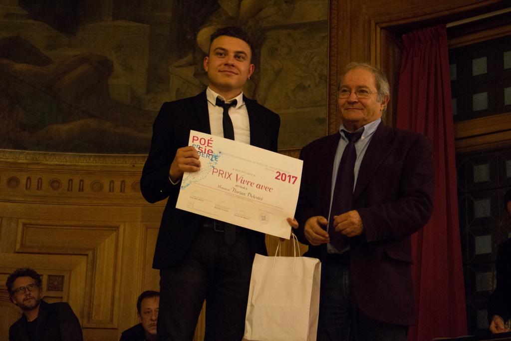 """Florian Delestré, Prix """"Vivre avec"""", ESPE Arras (62) et Francis Piazza, administrateur et Trésorier adjoint"""