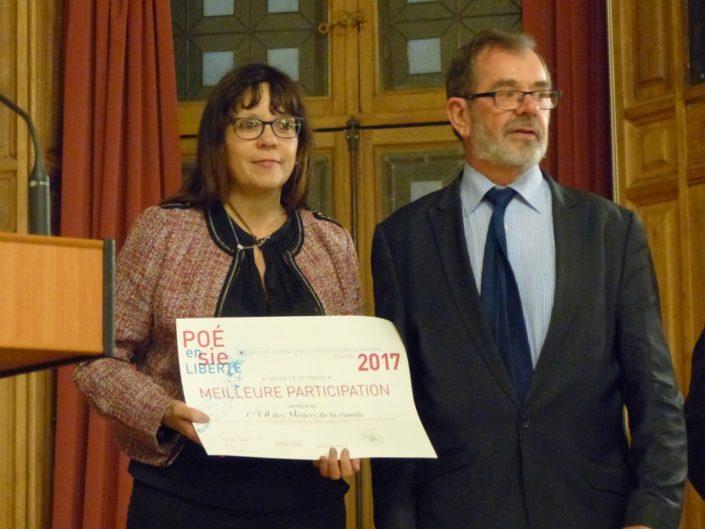 Madame Nathalie Gomez, Directrice du CFA et Monsieur Claude Anthierens, Président du CFA des Métiers de la viande EPB (Ecole Professionnelle de Boucherie) (75) Prix de la MEILLEURE PARTICIPATION REGION ÎLE-DE-FRANCE des Centres de formation d'apprentis.