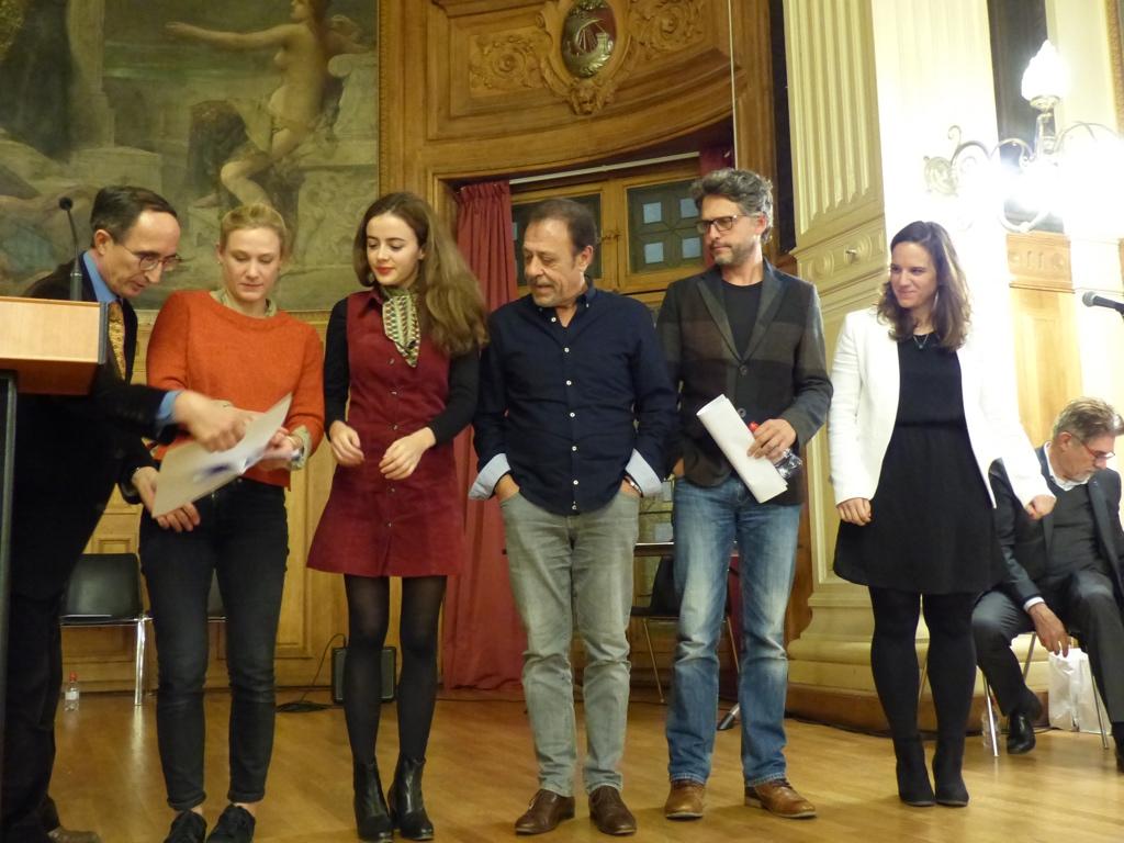 Yeelem Jappain, Lou Gala, Antoine Coesens, Frédéric Gorny, Mèche pour remettre le Prix du LabelFrancEducation