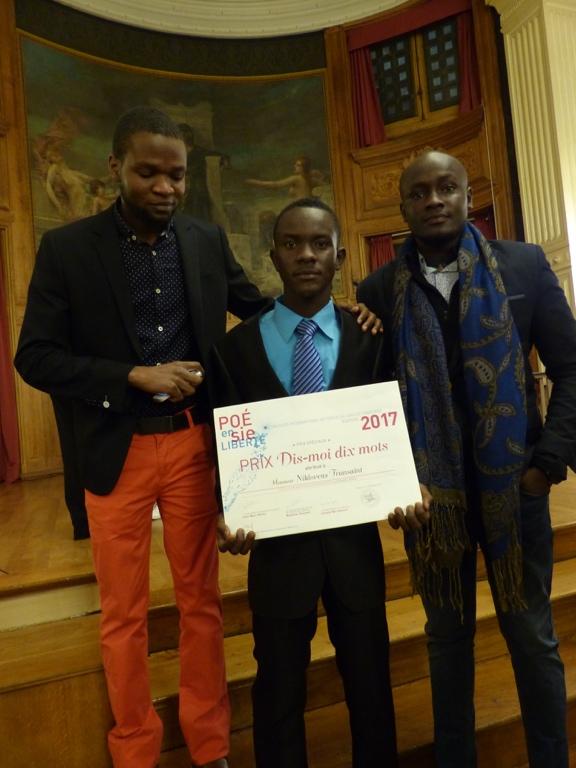 """Prix """"dis-moi dix mots"""" attribué à Niklovens Fransaint, IMFP à Gonaïves (Haïti)"""