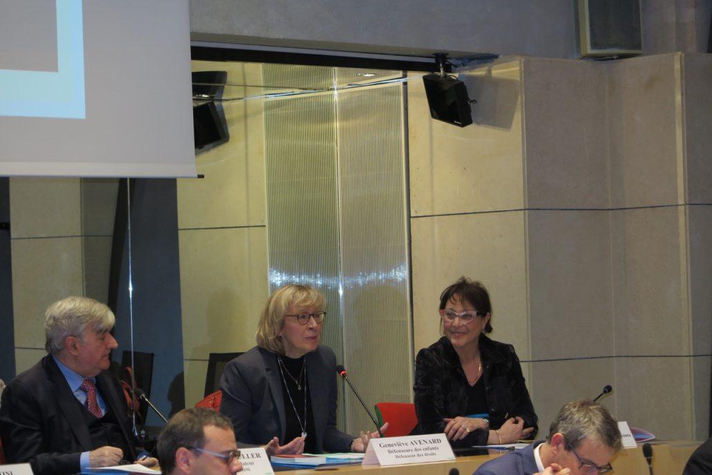 Geneviève Avenard, Défenseure des enfants auprès du Défenseur des droits, entourée de Jean-Marc Muller et Mariane Tanzi