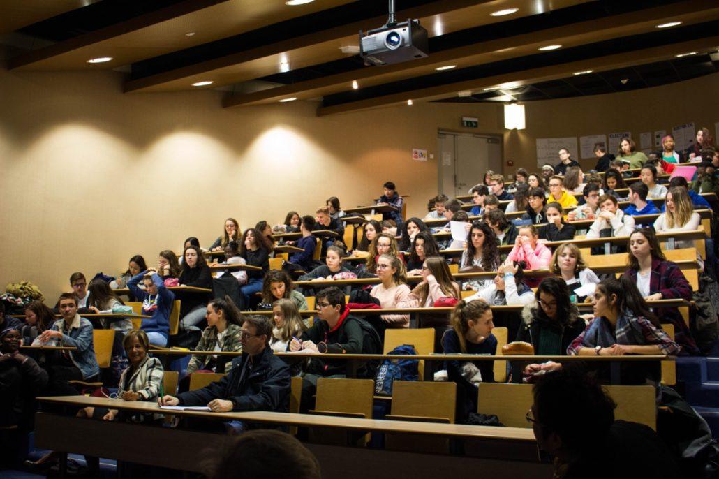 Lancement du concours à Orléans au lycée Charles Péguy devant une centaine d'élèces