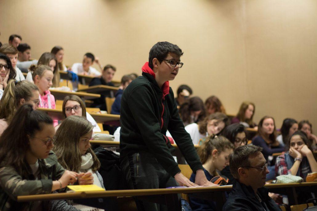 Echanges entre les élèves et Matthias Vincenot, poète invité