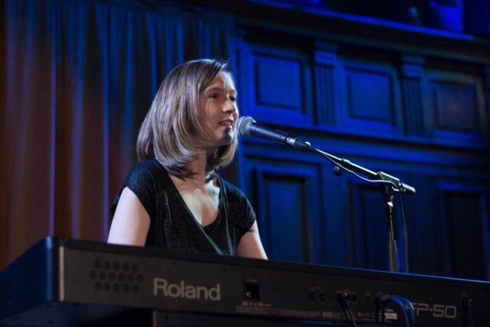 Laura Flane, auteur-compositeur interprète