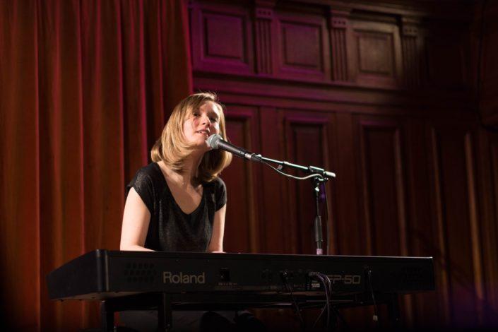 Laura Flane, auteur compositeur interprète