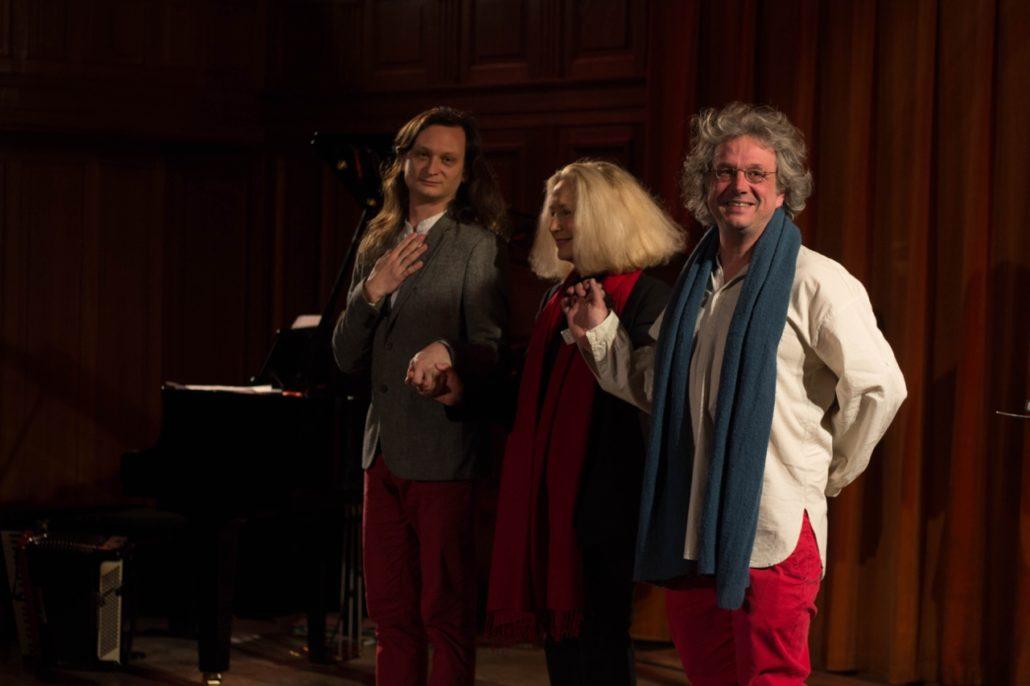 le salut final avec Etienne Champollion, Brigitte Fossey et Pierre Fesquet