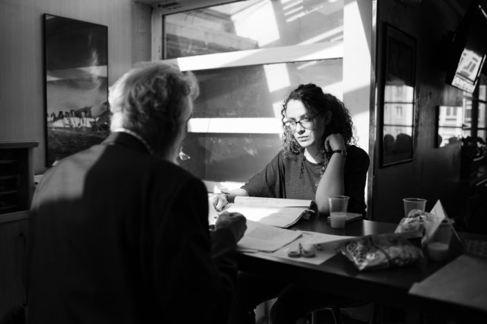 Ines Benlakhdar face à Michel Séguignes