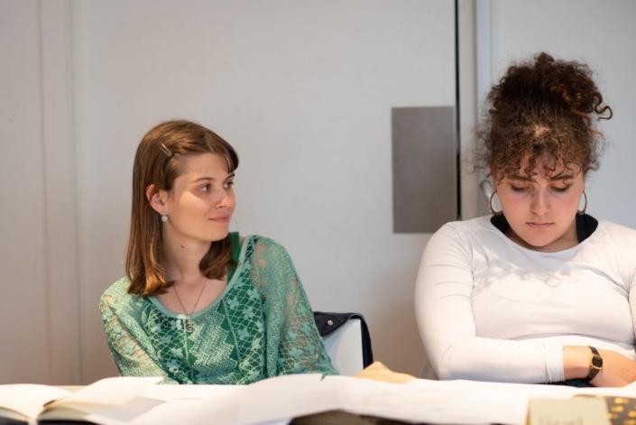 Eva de Prague et Feryel de Paris : toutes les deux en école d'art et en poésie