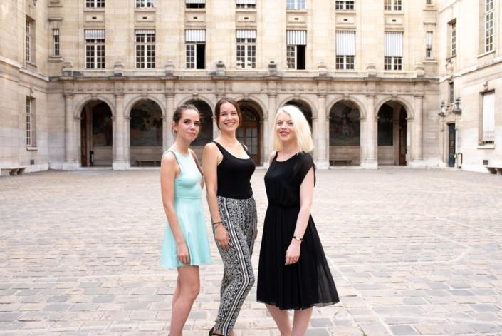 Les comédiennes Madeleine Pougatch, Alexandra Ansidei et Clémence Brétécher