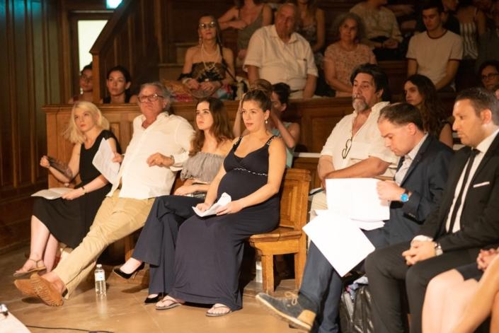 Côté comédiens, Clémence Brétécher, François-Eric Gendron, Lou Gala, Célia Rosich au 1er rang, Dominique Thomas au 2ème rang