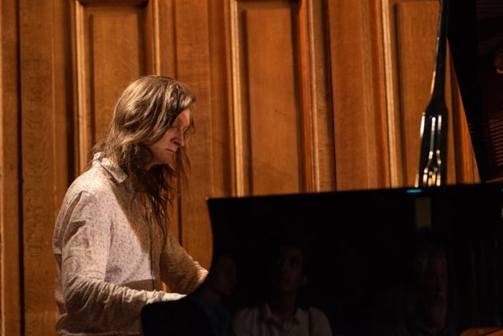 Etienne Champollion, compositeur et musicien, lauréat 2003 et juré 2004 du concours Poésie en liberté.