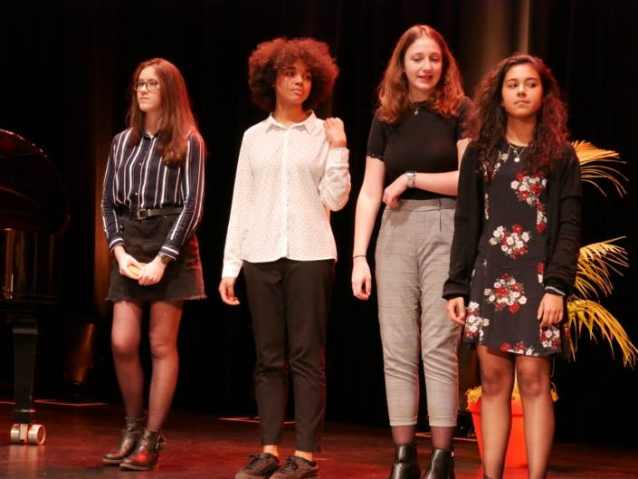 Chloé Benbekrite, Melinda Carniaux, Marion Demoniere, Alexandra Verron de l'Atelier Janusz Korczak d'Issy-les-Moulineaux