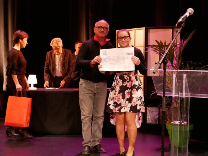 André Prodhomme, poète, Président du jury 2013 et Floria Reynaud, Lycée Jules-Froment - Aubenas (07), Prix Projet Personnalisé de Scolarisation des Premières