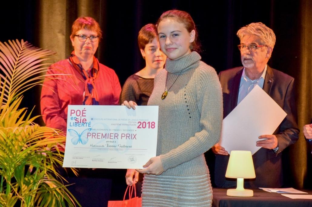 Claire Szabo, Maire adjoint de la Ville d'Issy et Jeanne Guilment, Lycée Kléber - Strasbourg (67), 1er prix des Secondes