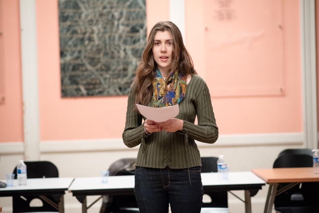 Alizée Ville, lit le texte de Elisa Estévez, 2ème prix Espéranto