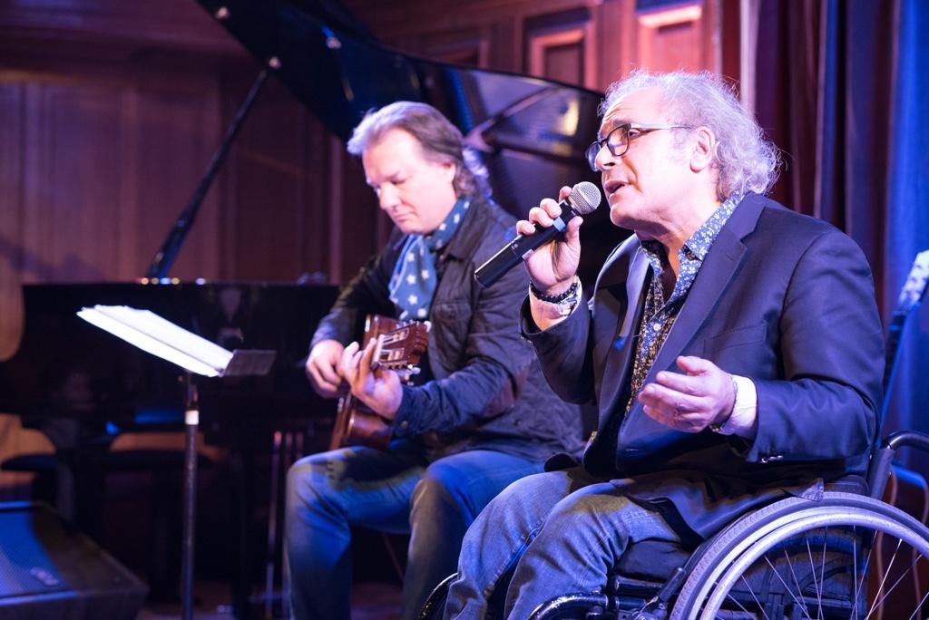 Frédéric Zeitoun accompagné par Philippe Hervouet