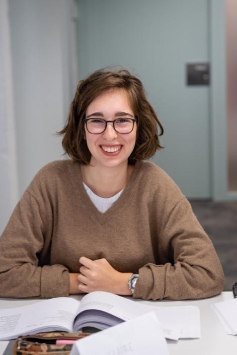 Claire Kozlow, Terminale Littéraire, Lycée Sainte Marie Grand-Lebrun - Bordeaux (33).