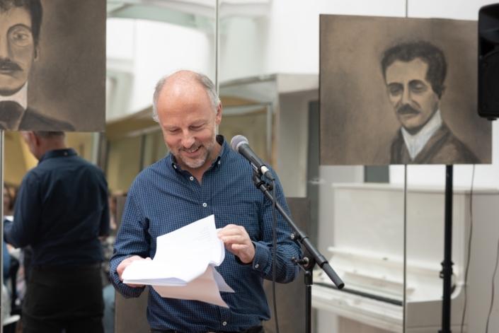 Etienne Orsini, poète, photographe et chanteur