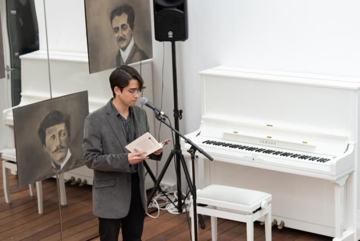 Carlos Humberto Santos Chinchilla, premier recueil