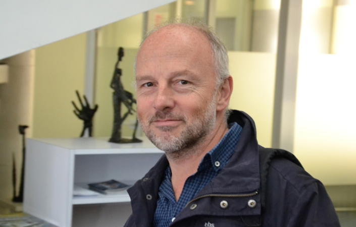 Etienne Orsini, poète, photographe, chargé de la programmation à l'Espace Andrée Chedid