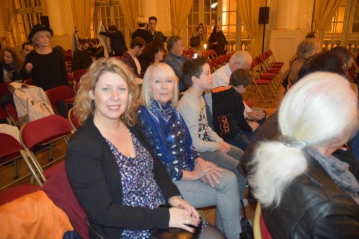 2 mamans d'accueil : Mélanie Dumont Torres (administratrice) et Hélène Kuan