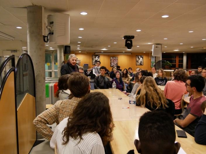 Jeudi 21 novembre au Lycée Maurice Ravel, réunion et dîner d'intégration pour les familles d'accueil, les lauréats de l'Etranger et de province