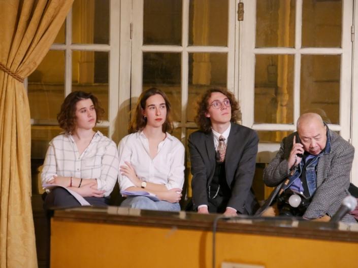 les jurés Marine Laffort, Claire Kozlow, Loris Schirar et le photographe Foc Kan