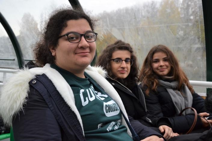 Lynn Touma, Eline Convert et Lou Vicente