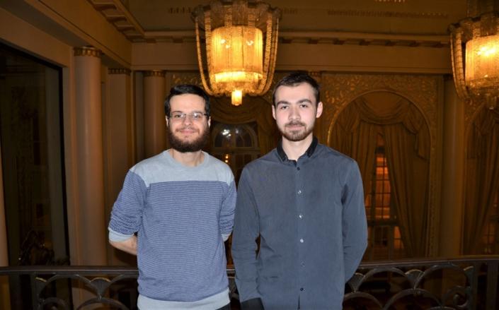 les lauréats espérantistes : Miguel Rocha Bento du Brésil et Nathan Vallet du Pays de Loire