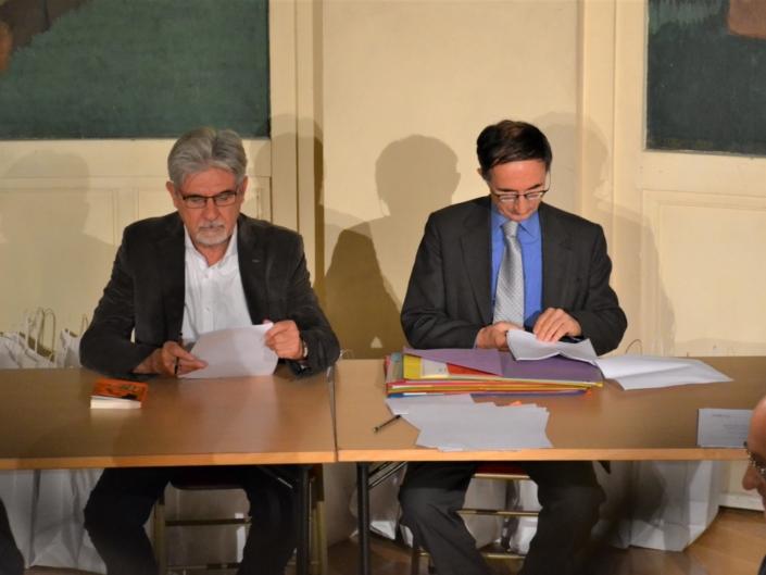 A la table des diplômes, les Présidents délégués Guy Féret et Gilles Tabard