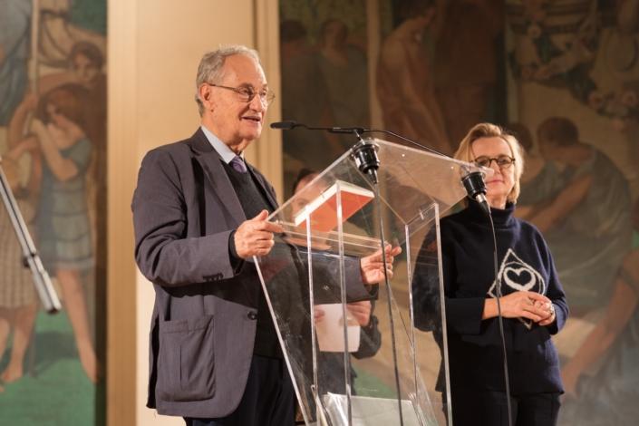 Pierre Brunel, de l'Académie des Sciences morales et politiques, Professeur émérite à l'Université Paris-Sorbonne, Président d'honneur de Poésie en liberté et Président du CH
