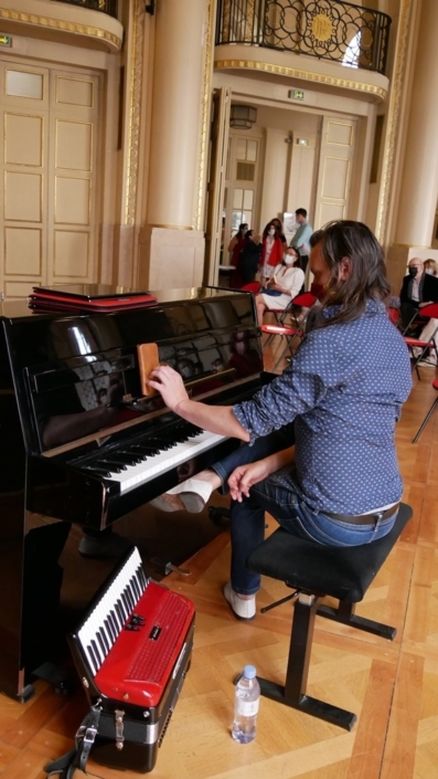 Etienne Champollion, multi-instrumentiste, compositeur, arrangeur